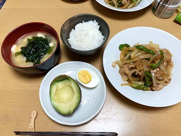 dinner-yuppie_9872a.jpg